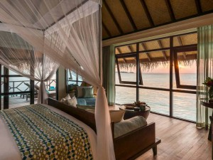 Four-Seasons-Resort-Maldives16-300x225