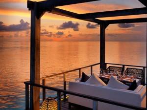 Jumeirah-Vittaveli-Malediven-Top-Luxusreisen10-300x225