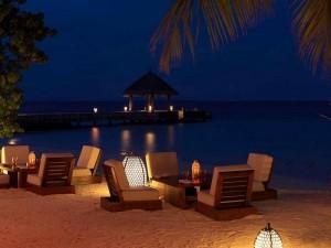 Jumeirah-Vittaveli-Malediven-Top-Luxusreisen14-300x225