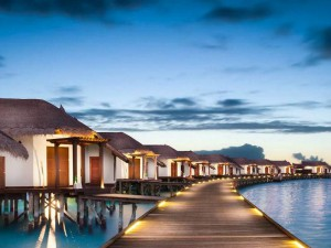 Jumeirah-Vittaveli-Malediven-Top-Luxusreisen18-300x225