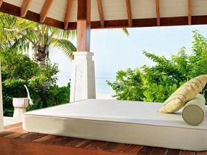 Jumeirah-Vittaveli-Malediven-Top-Luxusreisen4-300x225