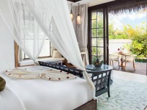 Jumeirah-Vittaveli-Malediven-Top-Luxusreisen6-300x225