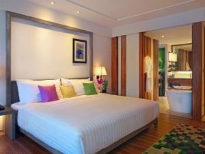 The-Nai-Harn_Phuket5-300x225