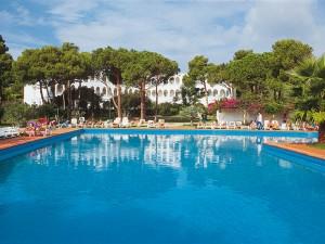 Falkensteiner-Resort-Capo-Boi_4-300x225