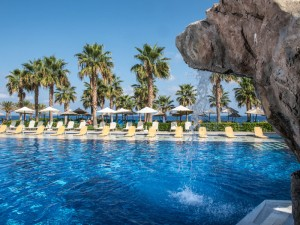 Radisson-Blu-Beach-Resort_4-300x225